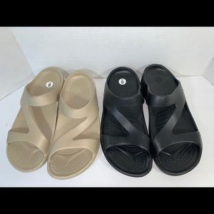 Hounds sandals slip on size 9/10 W black nude
